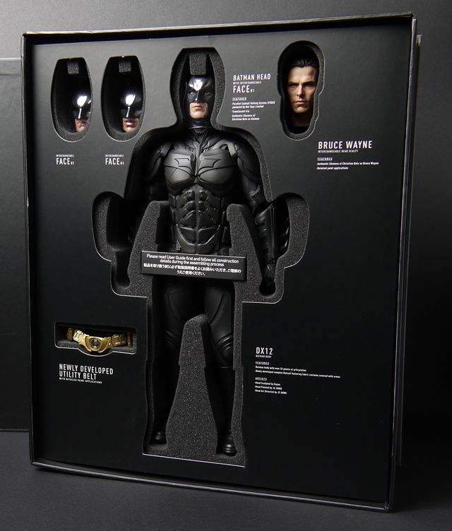 hottoys_dx12_batman_03
