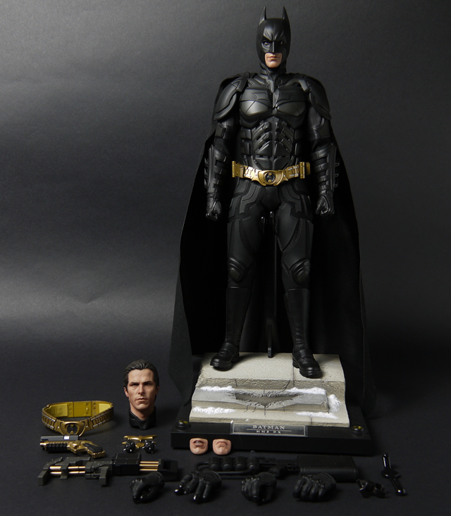 hottoys_dx12_batman_04