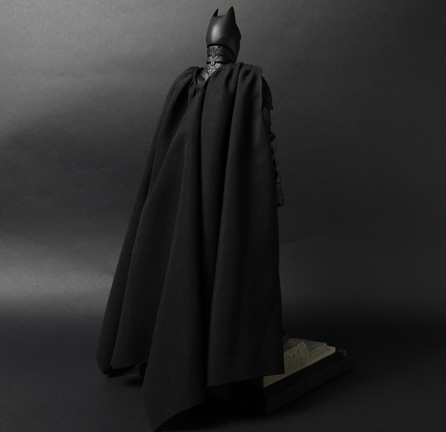hottoys_dx12_batman_06