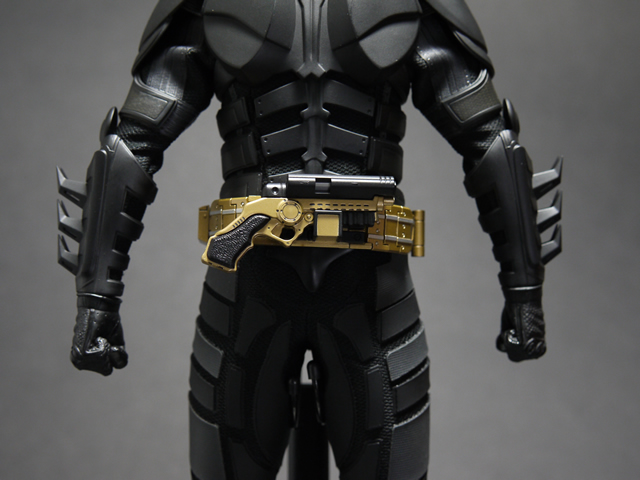 hottoys_dx12_batman_14